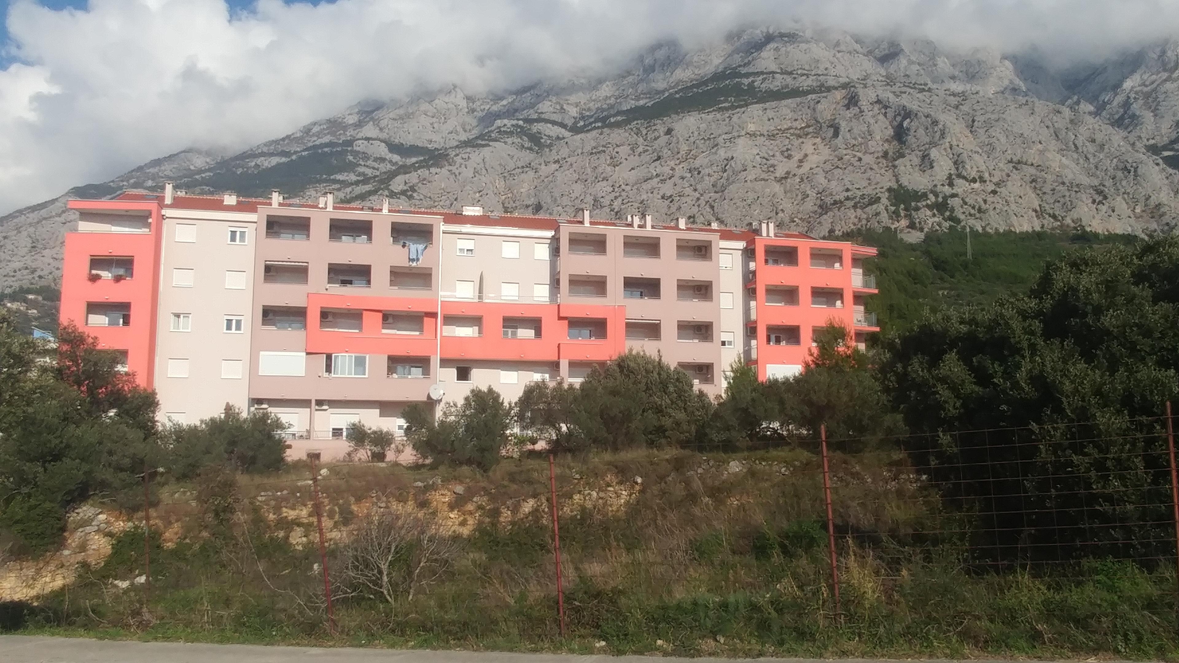 Stambeni objekt G-72 Dugiš, Makarska
